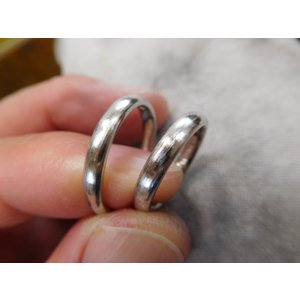 プラチナ結婚指輪(鍛造&彫金)光沢&マット 繋がるハート&ツイスト|kouki|04