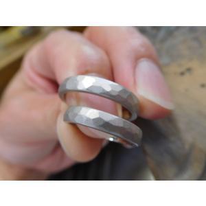プラチナ結婚指輪(鍛造&彫金)光沢&マット オリジナルのアルファベット|kouki|03