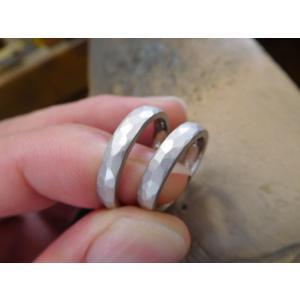プラチナ結婚指輪(鍛造&彫金)光沢&マット オリジナルのアルファベット|kouki|05