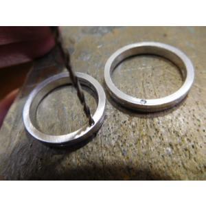 プラチナ 結婚指輪【本物の鍛造】厚みのある平打ちの側面に石、サイドストーン!光沢と艶消しのコンビが魅力的|kouki|18