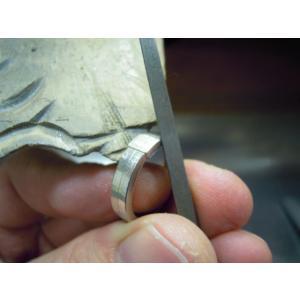 プラチナ 結婚指輪【本物の鍛造】艶消しをメインにした丸い甲丸デザイン!ワンポイントに光るダイヤとライン|kouki|16