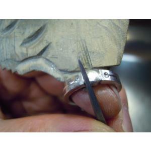 プラチナ 結婚指輪【本物の鍛造】艶消しをメインにした丸い甲丸デザイン!ワンポイントに光るダイヤとライン|kouki|18