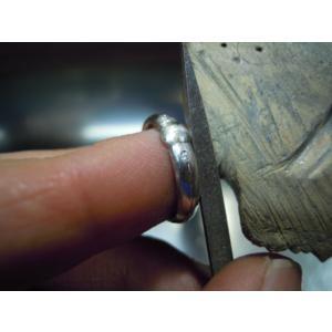 プラチナ 結婚指輪【本物の鍛造】艶消しをメインにした丸い甲丸デザイン!ワンポイントに光るダイヤとライン|kouki|19