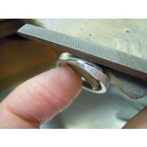 プラチナ 結婚指輪【本物の鍛造】緩やかなV字デザインで最高の着け心地!男性用は槌目&女性用はダイヤ入り|kouki|19