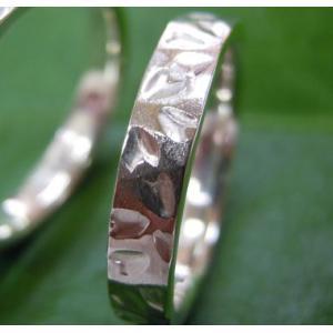 プラチナ結婚指輪(鍛造&彫金)光沢 桜の限定打ち出し&鎚目|kouki|05