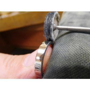 プラチナ結婚指輪(鍛造&彫金)光沢&艶消しコンビ 丸くて優しい三角形 kouki 04