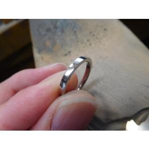 プラチナ結婚指輪(鍛造&彫金)光沢&マット 肉厚甲丸リング ライン彫り|kouki|06