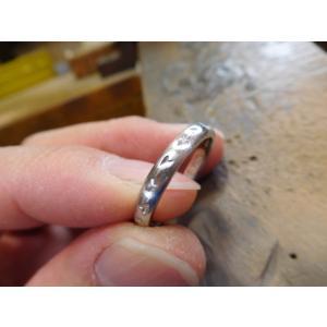 プラチナ 結婚指輪【本物の鍛造】荒仕上げの甲丸デザインに桜の槌目!シンプルなので桜が引き立つ! kouki 21