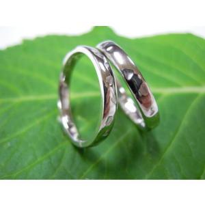 プラチナ結婚指輪(鍛造&彫金)光沢 シンプルな甲丸リングに桜の打ち出し|kouki