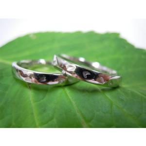 プラチナ結婚指輪(鍛造&彫金)光沢 シンプルな甲丸リングに桜の打ち出し|kouki|04