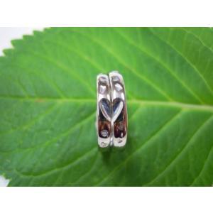 プラチナ結婚指輪(鍛造&彫金)光沢 甲丸リングにハート彫り&桜打出し|kouki|03
