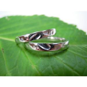 プラチナ結婚指輪(鍛造&彫金)光沢 甲丸リングにハート彫り&桜打出し|kouki|04