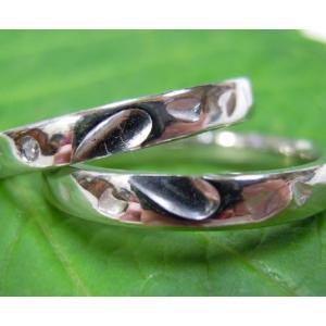 プラチナ結婚指輪(鍛造&彫金)光沢 甲丸リングにハート彫り&桜打出し|kouki|05