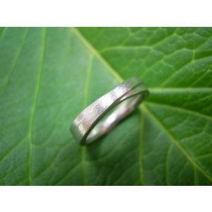プラチナ結婚指輪(鍛造&彫金)荒仕上げ&荒削り 平打ち交差 二連リング|kouki|04