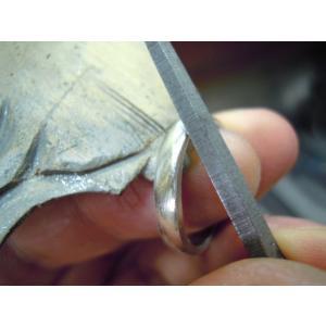 プラチナ 結婚指輪【本物の鍛造】プラチナの荒仕上げ&緩やかなV字リングにVラインが優しい!|kouki|20
