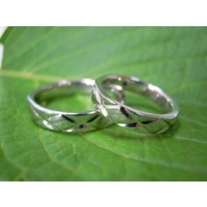 プラチナ結婚指輪(鍛造&彫金)光沢 平打ちリングに格子柄 格子模様|kouki|02