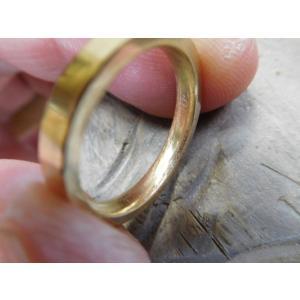 ゴールド 結婚指輪【本物の鍛造】浅めの槌目が繊細で美しい!シンプルな艶消し平打ちデザイン kouki 13