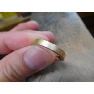 ゴールド 結婚指輪【本物の鍛造】浅めの槌目が繊細で美しい!シンプルな艶消し平打ちデザイン kouki 19