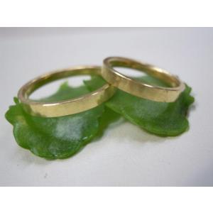ゴールド 結婚指輪【本物の鍛造】浅めの槌目が繊細で美しい!シンプルな艶消し平打ちデザイン kouki 04