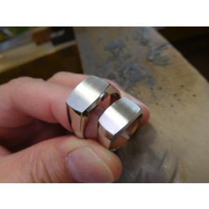 プラチナ結婚指輪(鍛造&彫金)艶消し 大粒ブラックダイヤ ハーフエタニティリング|kouki