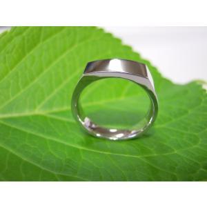 プラチナ結婚指輪(鍛造&彫金)鏡面仕上げ 昔の手法で造った斬新な横長角印台リング|kouki|04