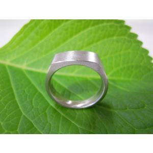 プラチナ結婚指輪(鍛造&彫金)荒仕上げ 昔の手法で造った斬新な横長角印台リング|kouki|04