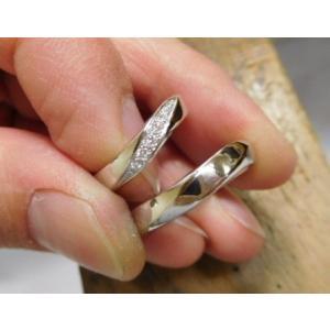 プラチナ結婚指輪(鍛造&彫金)光沢 メビウスリング ダイヤがグラデーションで輝く kouki