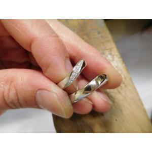 プラチナ結婚指輪(鍛造&彫金)光沢 メビウスリング ダイヤがグラデーションで輝く kouki 02