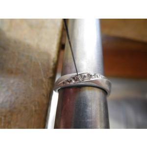 プラチナ結婚指輪(鍛造&彫金)光沢 メビウスリング ダイヤがグラデーションで輝く kouki 04