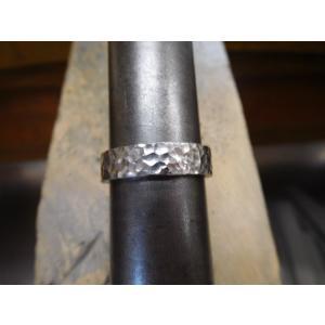 プラチナ結婚指輪(鍛造&彫金)光沢 平打ちリングに細かい槌目 男性5.5mm 女性4mm|kouki|06