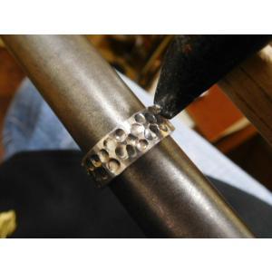 プラチナ 結婚指輪【本物の鍛造】極太の平打ちに艶消しの深い槌目が凄い! 男性7ミリ幅 女性6ミリ幅|kouki|17