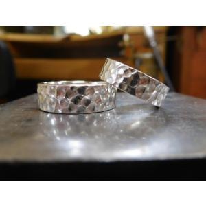 プラチナ結婚指輪(鍛造&彫金)光沢 極太の平打ちリングに深い槌目 男性7mm 女性6mm|kouki