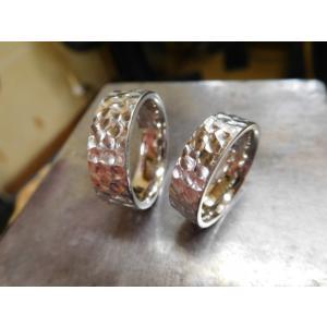 プラチナ結婚指輪(鍛造&彫金)光沢 極太の平打ちリングに深い槌目 男性7mm 女性6mm|kouki|02