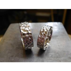 プラチナ結婚指輪(鍛造&彫金)光沢 極太の平打ちリングに深い槌目 男性7mm 女性6mm|kouki|03
