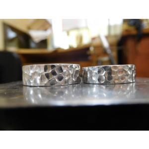 プラチナ結婚指輪(鍛造&彫金)光沢 極太の平打ちリングに深い槌目 男性7mm 女性6mm|kouki|04