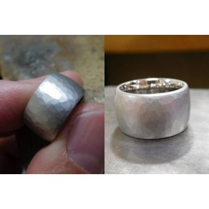 プラチナ結婚指輪(鍛造&彫金)艶消し 10mmの超極太&超肉厚 平甲丸の槌目リング|kouki