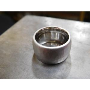 プラチナ結婚指輪(鍛造&彫金)艶消し 10mmの超極太&超肉厚 平甲丸の槌目リング|kouki|02