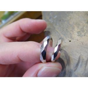 プラチナ結婚指輪(鍛造&彫金)擦り出しでクリスタルカット 男性4mm 女性3mm|kouki