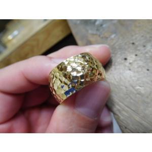 ゴールド結婚指輪(鍛造&彫金)光沢 鬼極太の深い槌目リング 男性12mm 女性10mm|kouki|20