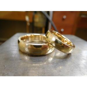 ゴールド結婚指輪(鍛造&彫金)鎚起の叩き出し 幅広甲丸リング 男性6.5mm 女性4.5mm|kouki