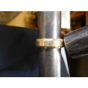 ゴールド結婚指輪(鍛造&彫金)鎚起の叩き出し 幅広甲丸リング 男性6.5mm 女性4.5mm|kouki|16