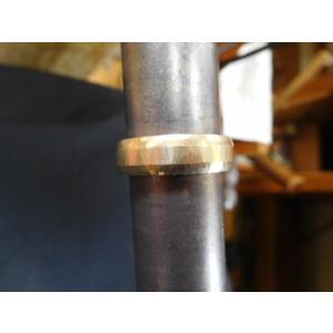 ゴールド結婚指輪(鍛造&彫金)鎚起の叩き出し 幅広甲丸リング 男性6.5mm 女性4.5mm|kouki|17