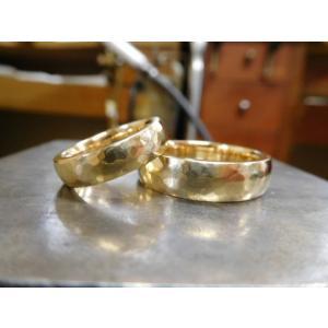 ゴールド結婚指輪(鍛造&彫金)鎚起の叩き出し 幅広甲丸リング 男性6.5mm 女性4.5mm|kouki|04