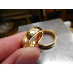 ゴールド結婚指輪(鍛造&彫金)鎚起の叩き出し 幅広甲丸リング 男性6.5mm 女性4.5mm|kouki|05