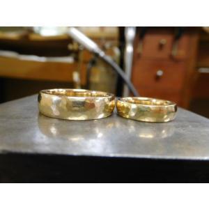 ゴールド結婚指輪(鍛造&彫金)鎚起の叩き出し 幅広甲丸リング 男性6.5mm 女性4.5mm|kouki|07