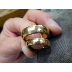 ゴールド結婚指輪(鍛造&彫金)鎚起の叩き出し 幅広甲丸リング 男性6.5mm 女性4.5mm|kouki|09