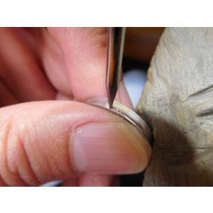 プラチナ結婚指輪(鍛造&彫金)甲丸リングの両フチに極小ミル打ち リング幅2.6ミリ|kouki|10