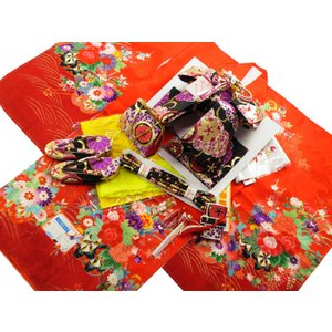 七五三着物 絵羽柄 正絹 7歳用 四ッ身着物 式部浪漫 結び帯・箱せこセット 赤系着物 黒帯 7k-38|koyuki