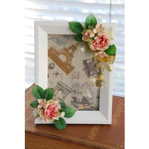 フォトフレームL版ホワイト*ピンクローズ | ギフト フラワーインテリア 写真立て 壁掛け リース ウォールデコ 部屋の彩り おしゃれ お祝い 贈り物|kugelfg