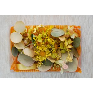 ユーカリ*野の花イエロー ドライフラワー| スワッグ・リース素材 インテリア装飾 手作りギフト素材 ナチュラル グリーン材料 国産|kugelfg